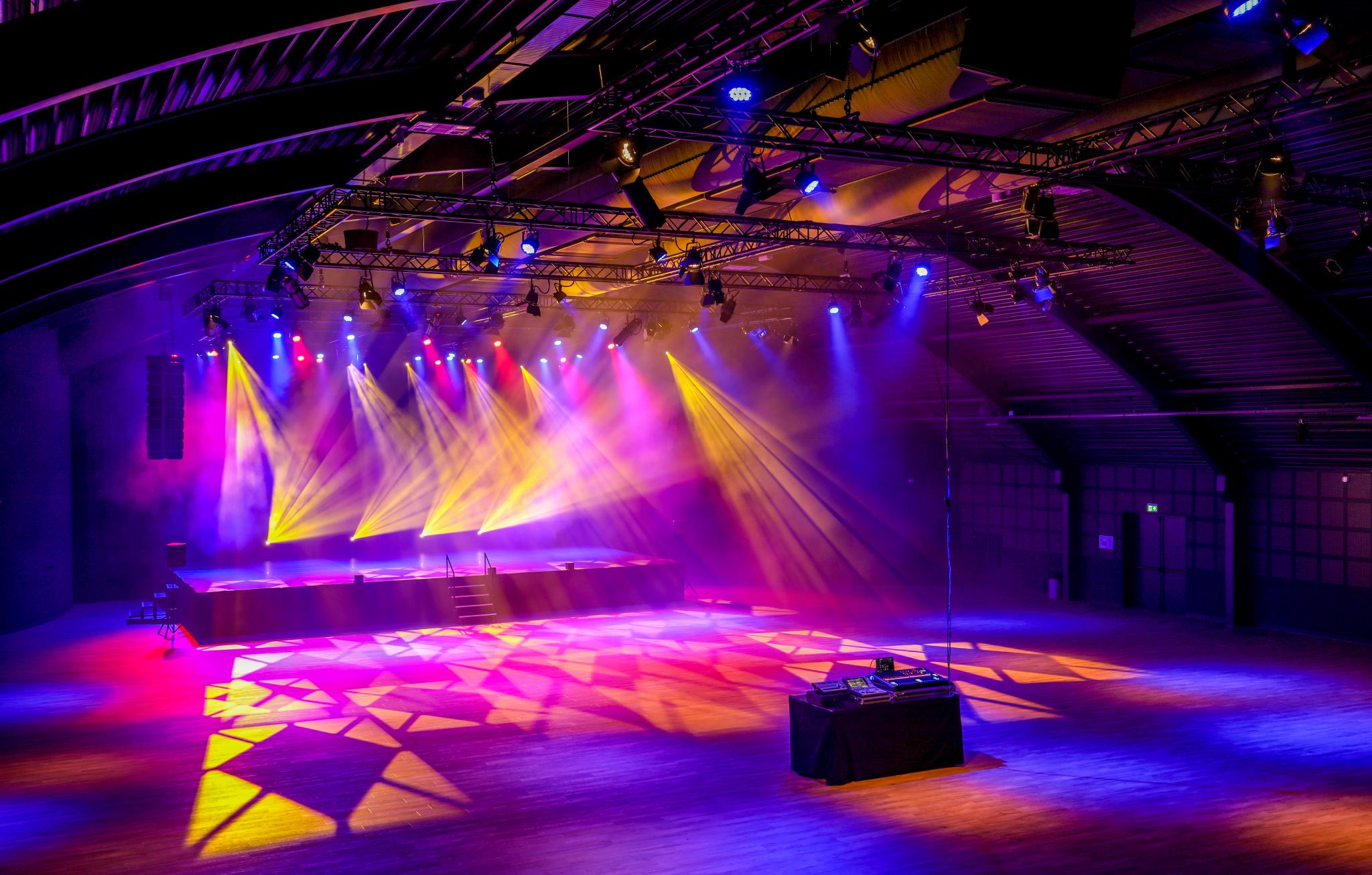Licht en geluid voor Evenementenhal Texel