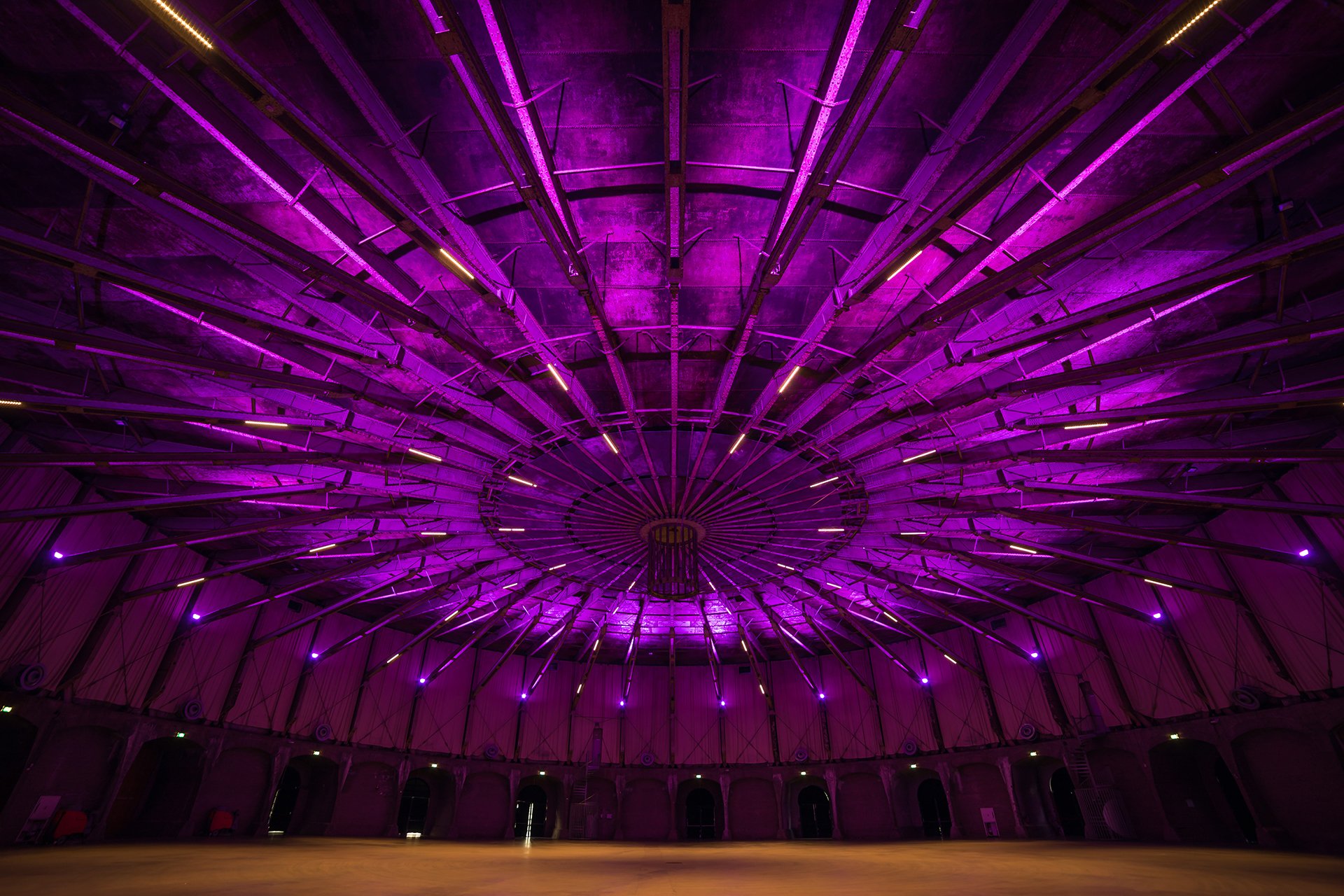 Fairlight installeert LED verlichting in Gashouder